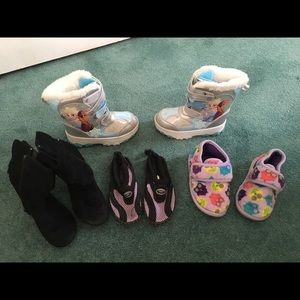 Size 10 Girl's Lot of Shoes/BOOTS! (12 pairs) 👧🏼